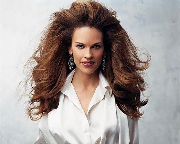 Marzysz o bujnej fryzurze? Przedstawiamy kilka zapomnianych trików.  #wlosy #hairbeauty #hairvolume