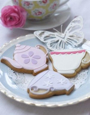 http://www.thecakeparlour.com/wp-content/uploads/2011/01/Tea-Party-Cookies-300x384.jpg
