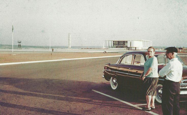 Debora Amorim - Brasilia uma arquitetura familiar