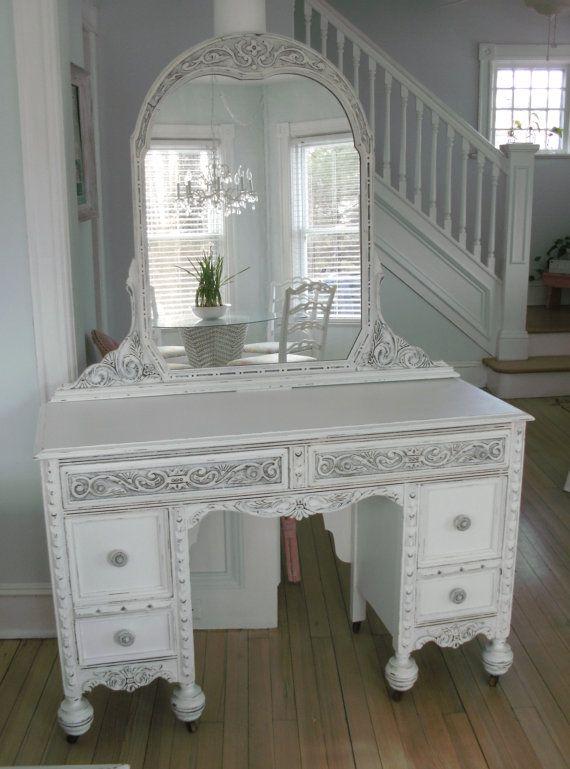 25 beste idee n over shabby chic spiegel op pinterest shabby chic decoratie shabby chic. Black Bedroom Furniture Sets. Home Design Ideas