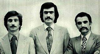 Bigodes anos 70. Os bigodes voltaram a ser moda nos anos 70 em estilos variados, acompanhados de costeletas  e cabelos razoavelmente compridos.
