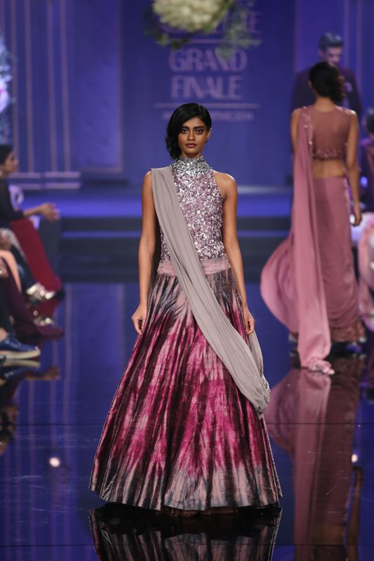 Indian Wedding Outfits From The Runways