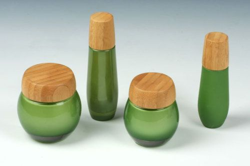 Natural packaging for cosmetic containers.