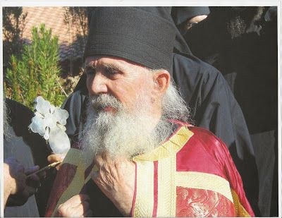 Elder Ephraim Arizona -  Γέροντας Εφραίμ της Αριζόνας: Δεν γνωρίζεις, παιδί μου, ότι δωρεάν σώζει τον άνθ...