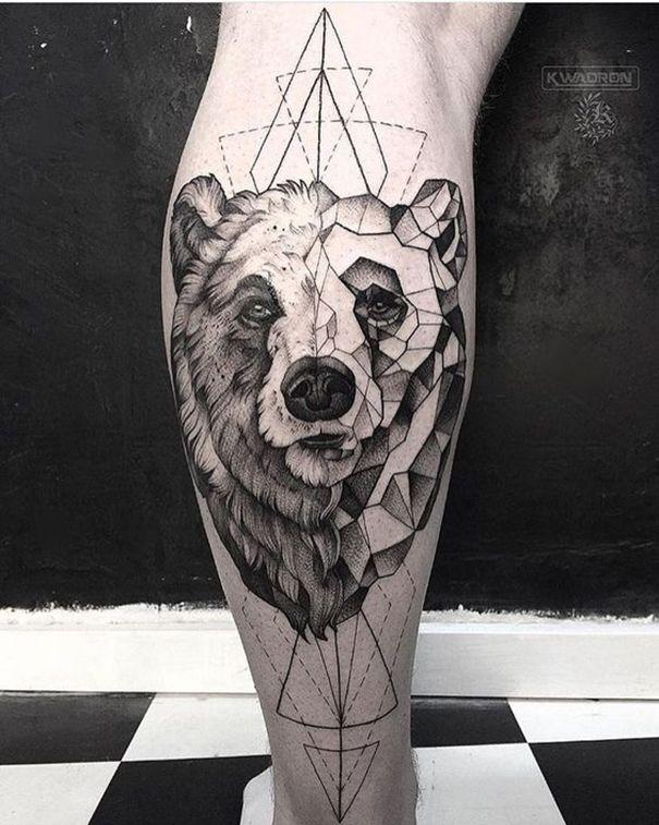 bear tattoo on foot   Bären tattoo, Bär tattoos, Tattoo ideen