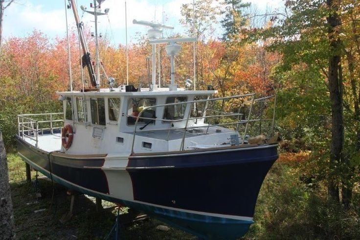 1990 Downeast Research Boat - Downeast Cruiser Power Boat For Sale -