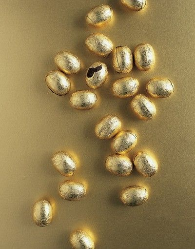 Remember gold wall installation from Gold Leaf in High Design.