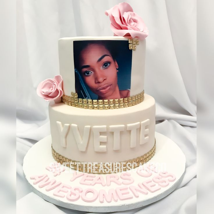 Yvette celebrated her special day with this wonderful cake.  #24yearsofawesomeness #yvette #24thbirthday #flowers #cake #birthdaycake #celebrations #celebrationcakes #sweettreasures #sweettreasurescakeco #johannesburg #southafrica