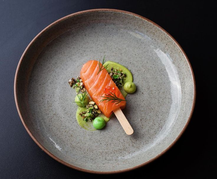 Foodstarz sur Instagram: Foodstar Piers Dawson (@piersdawson) shared a new image via Foodstarz PLUS /// Salmon Lolly-Pop, Cured and Raw, Avocado Purée, Wasabi Aioli, Keta, Puffed Rice and Wasabi Pea Granola, #charlieskitchenpopup #salmon #lollypop #wasabi #avocado #rice #foodstarz If you also want to get featured on Foodstarz, just join us, create your own chef profile for free, and start sharing recipes, images and videos. Foodstarz - Your International Premium Chef Network