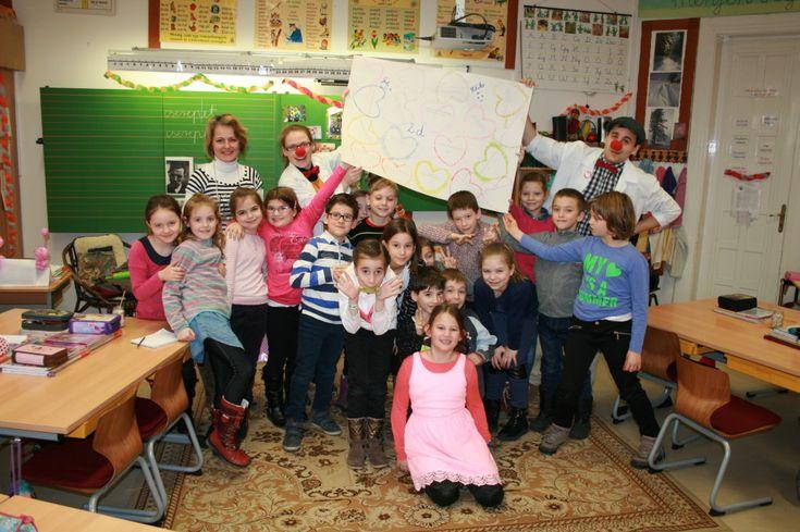 Kecskeméti iskolások üzenetét adtuk tovább! Csodálatos összefogás a Kecskeméti Református Általános Iskola egyik osztályában!  2015 decemberében a Szegedi Gyermekklinikán egy aprócska lánynál viziteltünk. Vele akkor találkoztunk először. Ezek után az egyik osztálytársuk kedves anyukája,- hallva rólunk -, megkeresett minket, hogy…