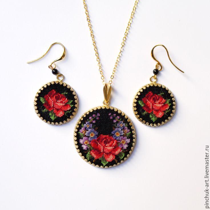 """Handmade embroidery """"Petit Point"""" jewelry set / Купить Кулон с розой - украшения с вышивкой, украшения ручной работы, украшения, авторские украшения"""