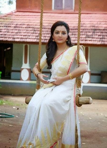 Manju Warrier Latest Photo Kerala Set Saree | Indian Cinema Diary
