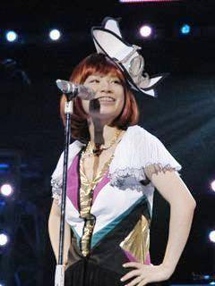 いつまでもかわいいYUKI。アーティストYukiのライブ
