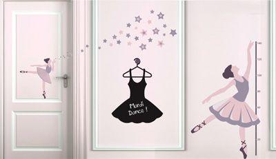 chambre pour une petite fille avec des stickers ardoise et stickers danse