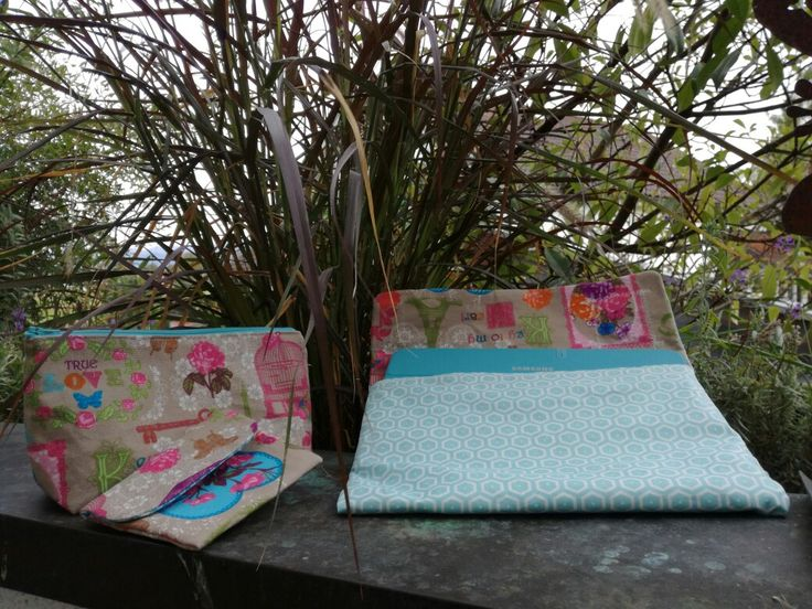 Taschen Set: Tablet-Tasche und kleine Tasche = Zaubertäschchen, Reißverschluss-Tasche = gemacht wie eine Kosmetiktasche