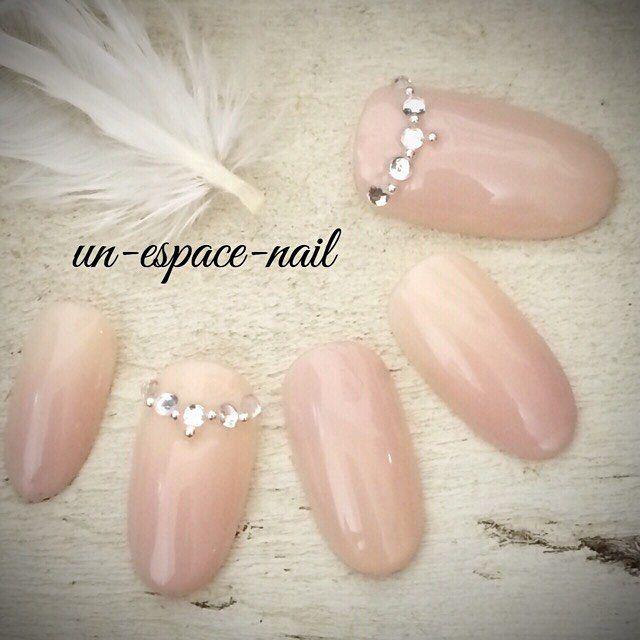 【大人女子におすすめ◎】シンプルなデザイン♪『ピンクベージュ』を使ったネイルで大人可愛い指先に♡   GIRLY