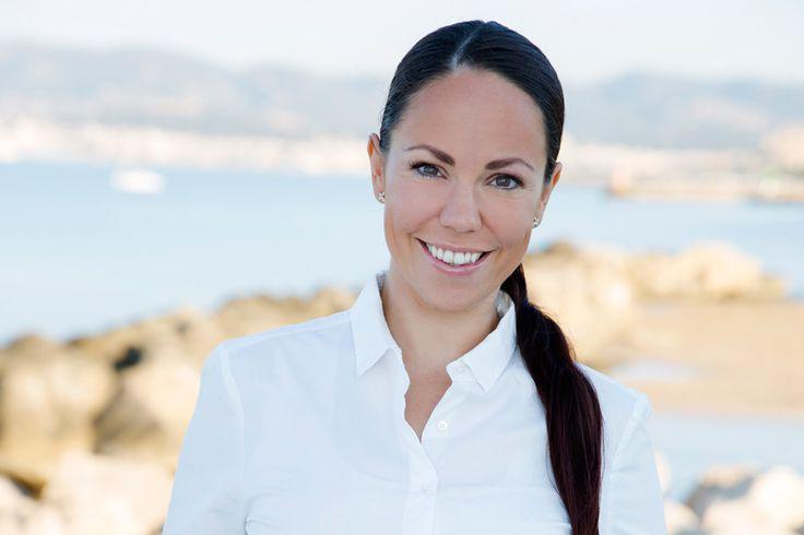 Michelle är en av våra mäklare som du oftast hittar på vårt kontor i Molinar. Lär känna henne bättre på vår webbsida.