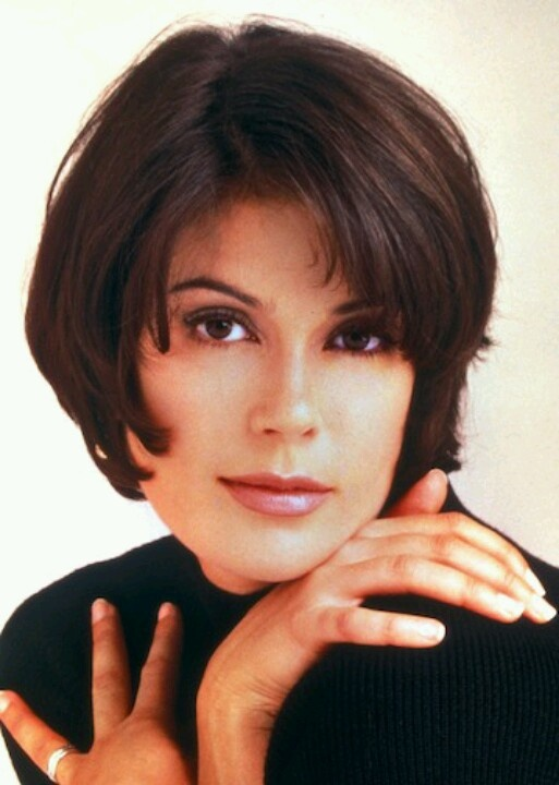 Teri Hatcher as Lois Lane on Lois and Clark: The New Adventures of Superman.