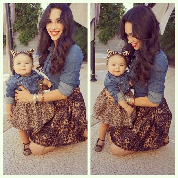 cute mommy & me outfit.