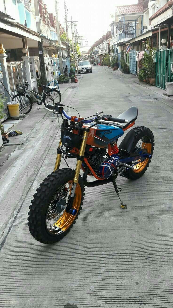 Electric motorcycle front