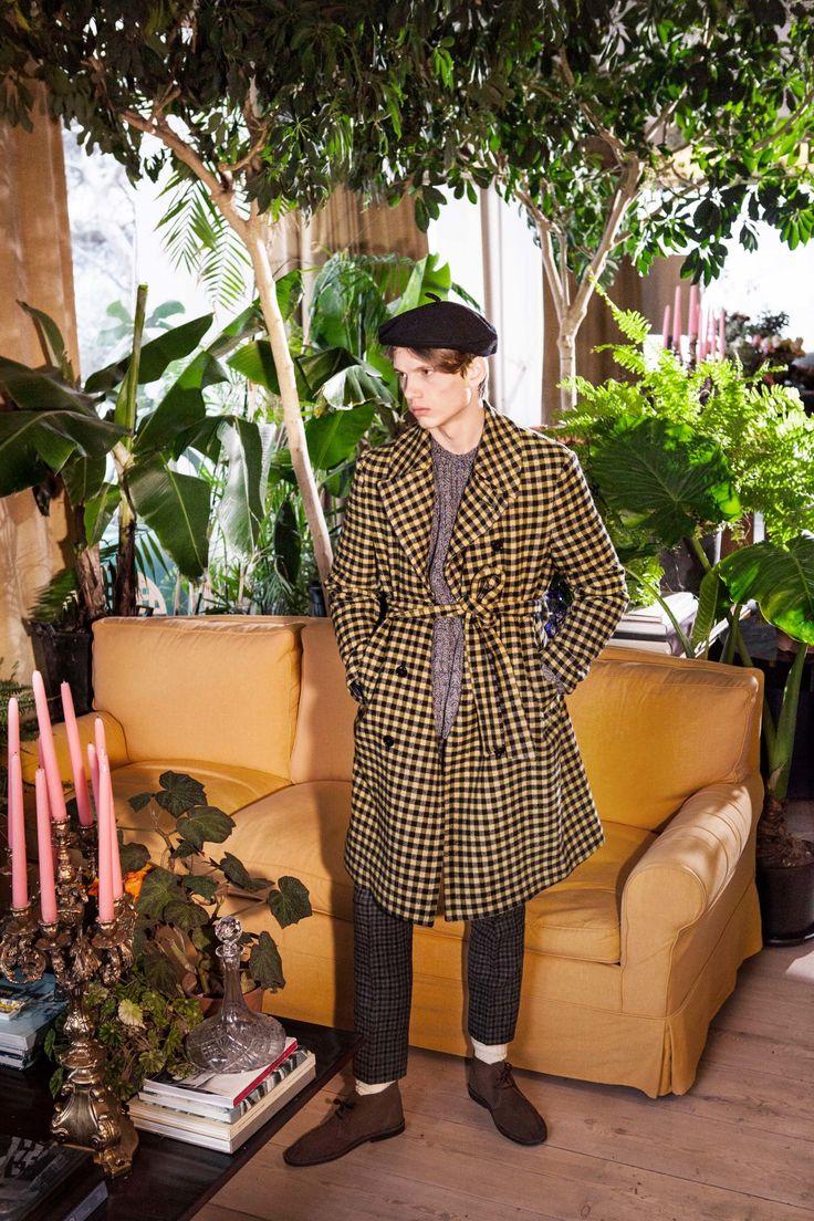 MP Massimo Piombo Fall 2017 Menswear Collection Photos - Vogue