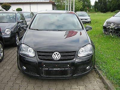 Volkswagen Golf 1.6 TDI DPF Blue-Motion Technology Team als Limousine in Erolzheim