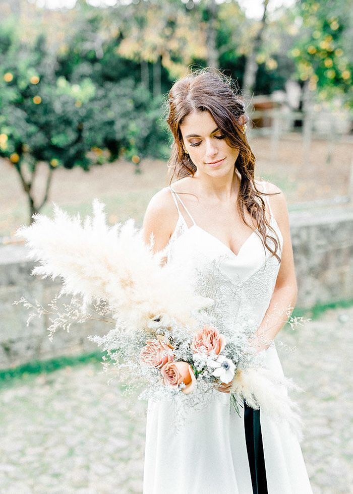 Intimate and Cozy Winter Wedding in Portugal https://heyweddinglady.com/intimate-cozy-winter-wedding-portugal/ #wedding #weddings #weddinginspiration #bluewedding #winterwedding #portugal #bohemianbride