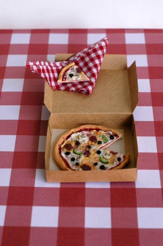 My Elf Izza: Pizza Lover