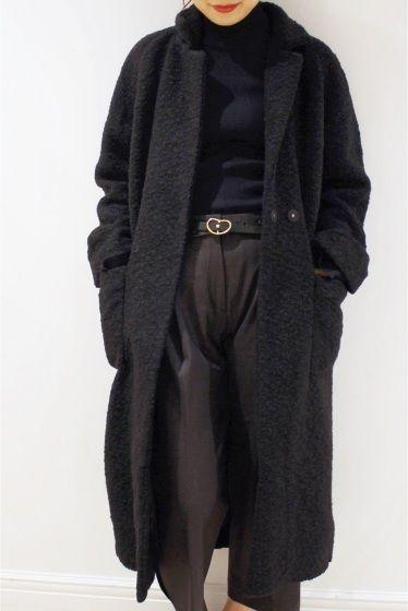 GANNI ウールコート  GANNI ウールコート 42120 ガウン型のコートは肉厚な素材で真冬にも最適な一着 衿は小さめなのですっきりと見えパッチポケットでカジュアルさをプラス 程よくトレンドシルエットシンプルデザインはデイリー使いにお勧めなアイテムです GANNI(ガニー) 2000年に設立したデンマーク発のファッションブランド 自立した女性の為のセクシーかつ遊び心のある洋服を創りつづけることをコンセプトにしておりトレンドに左右されない個々の個性に適合させたデザインは着る人自身がよさを感じられるように作られています 店頭外での撮影画像は光の当たり具合で色味が違って見える場合があります 商品の色味はスタジオ撮影の画像をご参照ください グレーブラック着用スタッフ身長:163cm 着用サイズ:FREE モデルサイズ:身長:167cm バスト:77cm ウェスト:56cm ヒップ:80cm 着用サイズ:S