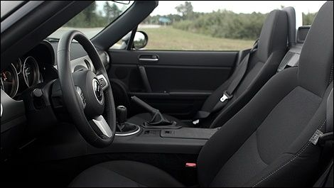Pulizia interni auto: la guida fai da te