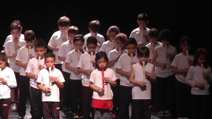 SESI 123 - Apresentação com Flauta Doce - 3º ANO