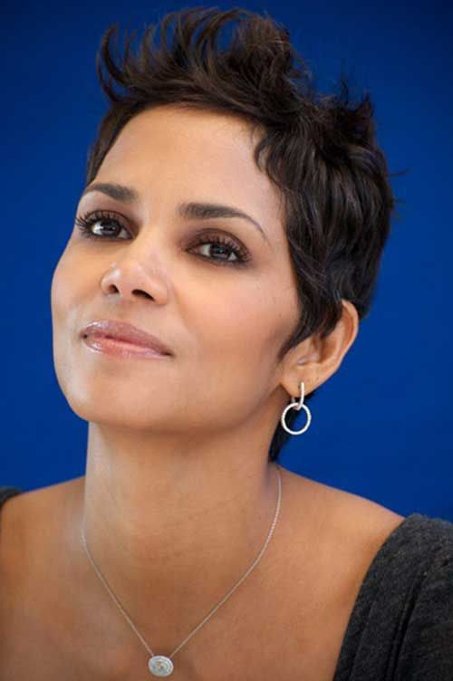 19 Halle Berry Pixie Cuts: #7. Halle Berry Curly Spiky Pixie Hairstyle