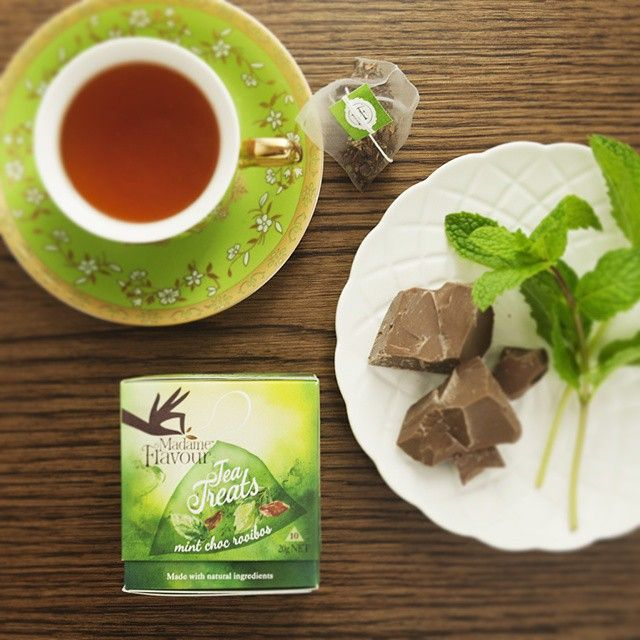Kindred Spirits have you spotted my new Tea Treats in your supermarket? They're a little different to my other teas, a special treat for those moments that you told me you have when you want to reach for the lollies, but go for a cuppa because you don't want the calories. This way you get both.  Introducing my natural Mint Chocolate Rooibos blend. It's #sugarfree #dairyfree & #glutenfree. Just 2kj per silky pod with organic peppermint leaf, cocoa beans, rooibos leaf and chocolate drops…