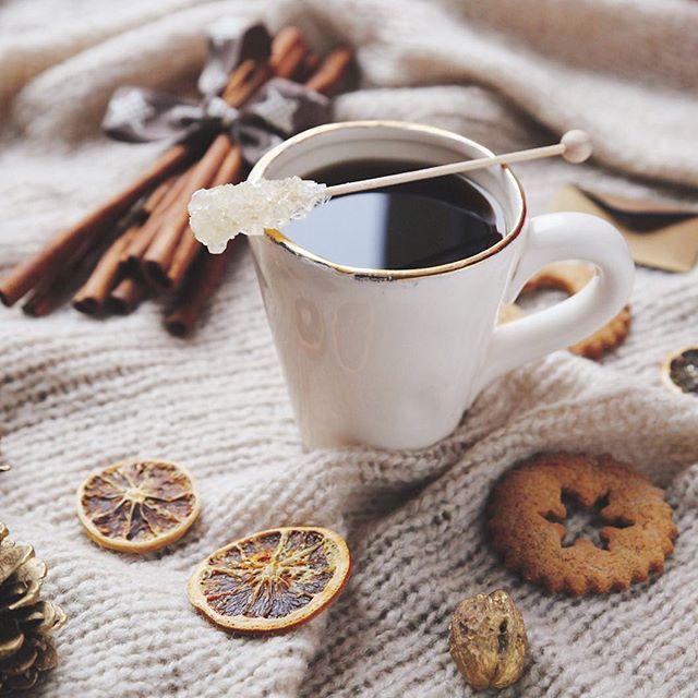☕️tea time! ☕️ . . . #teatime #tea #tealover #babyitscoldoutside #cinnamon #herbata #té #tv_living #tv_neatly #tv_stillife #stilllifegallery #still_life_gallery @homeyou_official #pierniczki #zima #indoor #cozy #canon #canonpolska #polskafotografia #momentslikethese