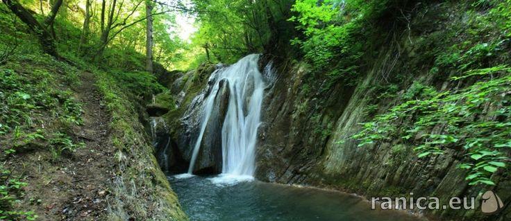 http://ranica.eu/#!article,21061  Малкият скок в резерват Орлицата край с.Медвен