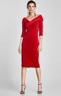 Vanesa Lorenzo tiene el vestido perfecto de terciopelo de Zara (por menos de 30 euros)
