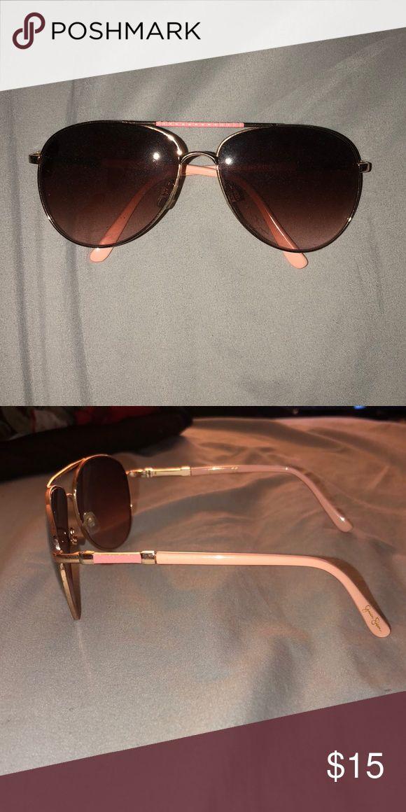 Jessica Simpson Sunglasses Jessica Simpson aviator sunglasses. Missing 1 nose pad. Jessica Simpson Accessories Sunglasses