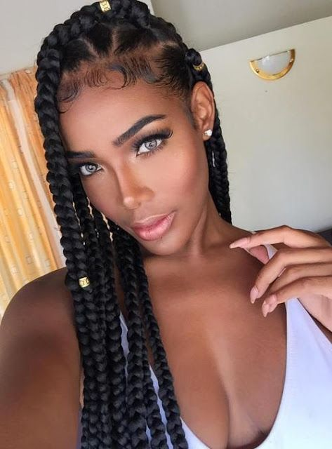 The dookie braids is a popular hairstyle, at first you might not be familiar with this term since we are africans but those in diaspora refer to the extremely big braids as dookie. The dookie braids is a very popular style that dates back to the 90's, then it used to be mistaken for dread locks since it hung freely.