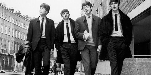"""Los Beatles llegarían esta Navidad a Spotify y Apple Music   El acuerdo involucraría a """"la mayoría de los servicios de streaming"""" y no existe exclusividad. Tampoco se tiene claridad de cuál será el catálogo dispuesto de la banda inglesa.  Aunque The Beatles es con toda seguridad la banda más icónica e influyente de la historia extrañamente por asuntos de derechos es la única importante que aún no se ha subido al lucrativo carro de los servicios por streaming musicales.  Sin embargo esto…"""