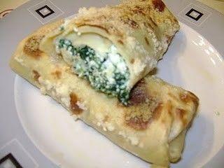 Le crepes spinaci e ricotta sono una deliziosa ricetta che si prepara facilmente. Un primo piatto da leccarsi i baffi, anche per ospiti vegetariani.