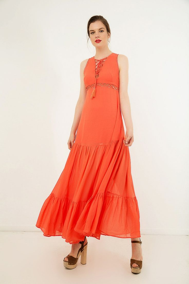 Maxi sleeveless dress with ruffles