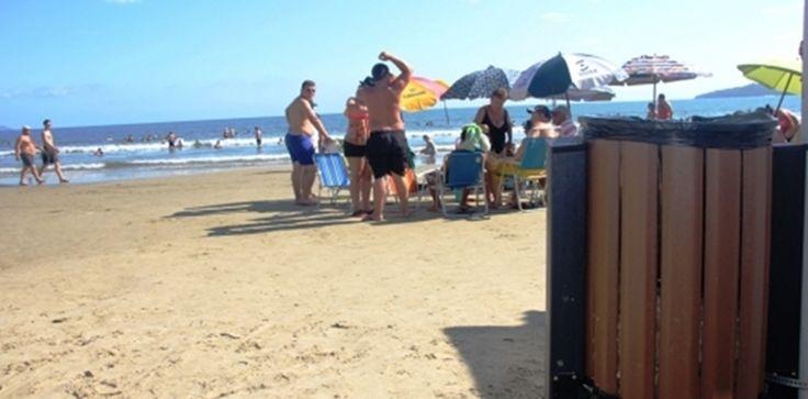 Prefeitura de Arraial do Cabo decreta a obrigatoriedade do uso de Lixeira em Praias