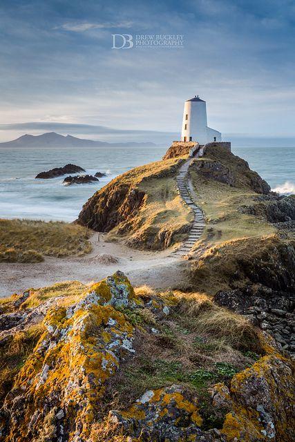 Gran Torre - la isla de Llanddwyn, Anglesey, Gales