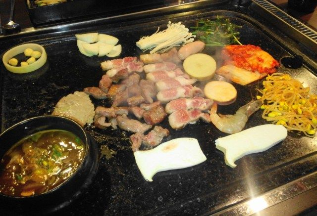 Hwatongsam Korean Barbecue samgyeopsal