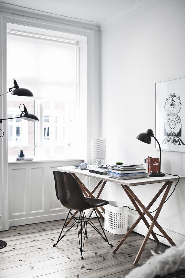 Visite: http://vivendovivi.blogspot.com.br/search/label/decor   decor, decoração, home office, branco, white, black & white, Loft, home, casa, industrial.