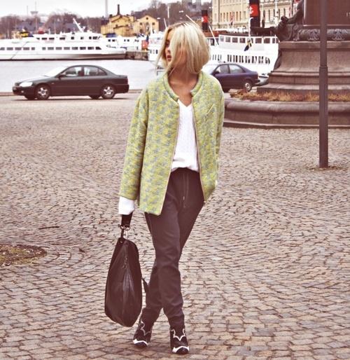 Hope + Charity + Happiness: Chic Sweat, Street Style, Sports Chic, Style Guide, Jersey Style, Fashion Inspiration, Fa Fashion, Beautiful Desks, Appropriate Image