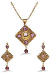 Buy best artificial jewelry at lowest price in India,, get upto 80% off,  fashion available by brands.