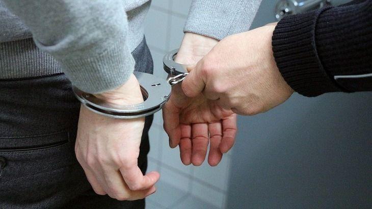 Patru hoti au furat un seif de 150 de kg dintr-o primarie din Arges