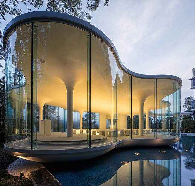 #architecture #interiordesign #wedding #chapel #glass #cloud #shape #design #japan #luxury #lifestyle #happiest #white