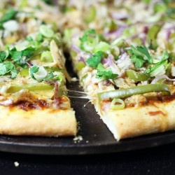 bbq chicken pizza fooood